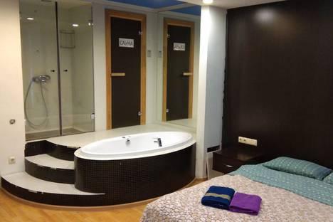 Сдается 2-комнатная квартира посуточно в Москве, 4-я Мякининская улица, 25.