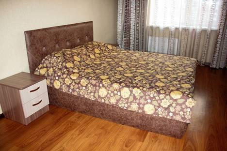Сдается 2-комнатная квартира посуточно в Абакане, улица Дружбы Народов, 40.