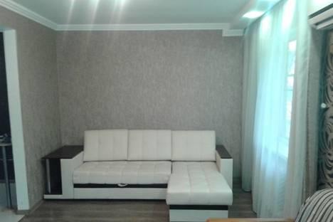 Сдается 1-комнатная квартира посуточно в Невинномысске, улица Чайковского, 20.
