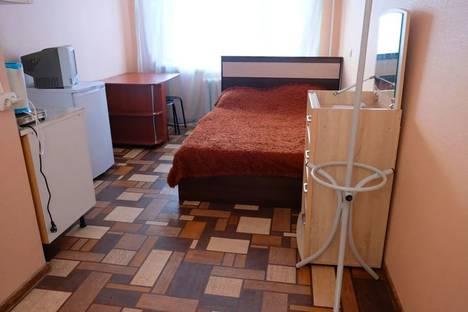Сдается 1-комнатная квартира посуточно в Тобольске, 7а микрорайон.