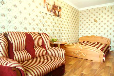 Сдается 1-комнатная квартира посуточно в Симферополе, Севастопольская улица, 32.