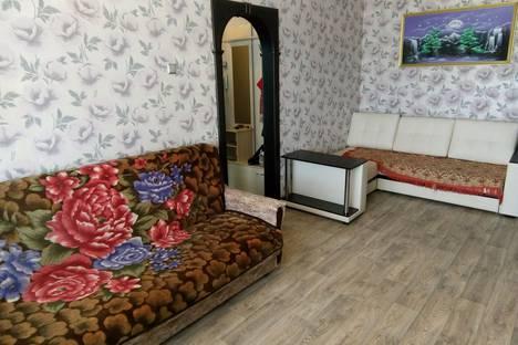 Сдается 2-комнатная квартира посуточно в Ростове, 1 Микрорайон, д.16.