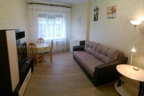 Сдается 2-комнатная квартира посуточно в Кировске, улица Олимпийская, 27.
