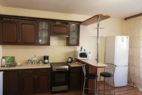 Сдается 2-комнатная квартира посуточно в Челябинске, улица Университетская Набережная дом 60.