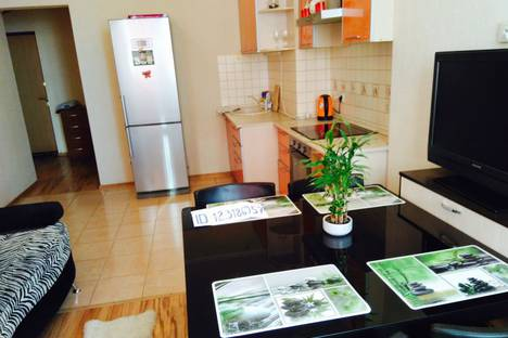 Сдается 2-комнатная квартира посуточно, улица Дубравная, 36.
