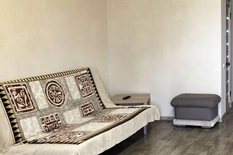 Сдается 1-комнатная квартира посуточно в Шахтах, улица Шевченко, 7.
