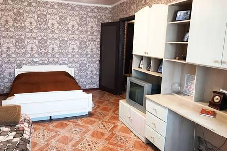 Сдается 1-комнатная квартира посуточно в Симферополе, улица Гагарина, 14В.