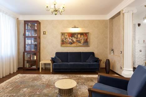 Сдается 2-комнатная квартира посуточно в Челябинске, улица Тимирязева, 28.