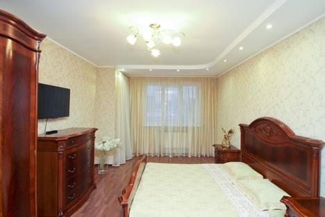 Сдается 3-комнатная квартира посуточно в Сургуте, проспект Мира, 55.