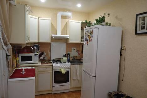 Сдается 2-комнатная квартира посуточно в Великом Устюге, улица Неводчикова, 54.