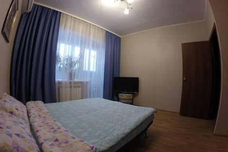 Сдается 1-комнатная квартира посуточно в Череповце, проспект Шекснинский, 8.