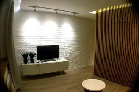 Сдается 2-комнатная квартира посуточно в Железнодорожном, улица Луговая, 12.