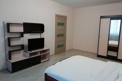 Сдается 2-комнатная квартира посуточно, Взлетная улица, 2.
