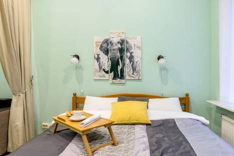 Сдается 3-комнатная квартира посуточно в Санкт-Петербурге, набережная реки Мойки, 1/7.