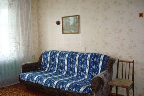 Сдается 2-комнатная квартира посуточно в Котласе, улица Кирова, 71.