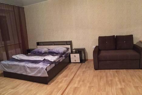 Сдается 1-комнатная квартира посуточно в Ачинске, улица Фрунзе, 10.