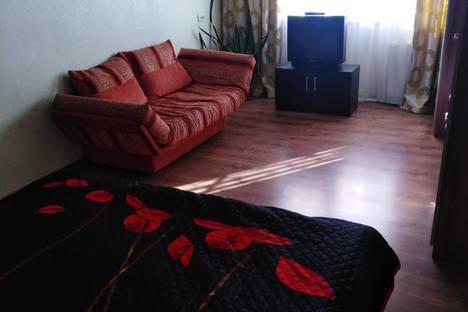 Сдается 1-комнатная квартира посуточно в Серпухове, улица Космонавтов, 19Б.