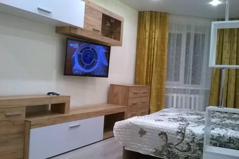 Сдается 1-комнатная квартира посуточно в Кирове, Ленина улица, 35.