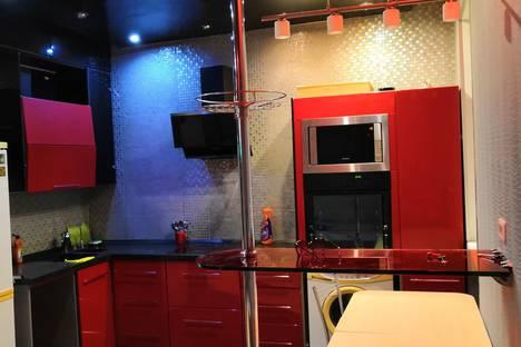 Сдается 2-комнатная квартира посуточно в Ноябрьске, проспект Мира, 27.