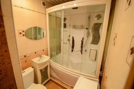 Сдается 2-комнатная квартира посуточно в Хабаровске, Амурский бульвар, 46.