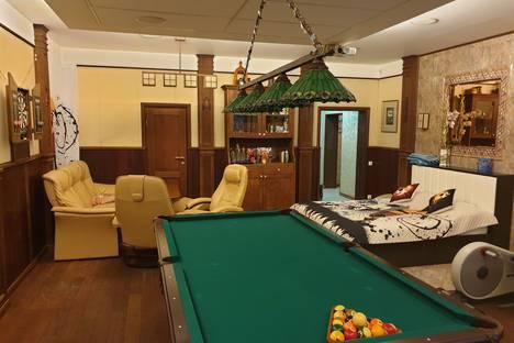 Сдается 1-комнатная квартира посуточно в Санкт-Петербурге, улица Сикейроса, 1.