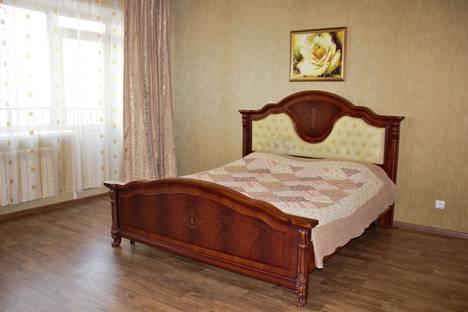 Сдается 1-комнатная квартира посуточно в Абакане, улица Комарова, 9.
