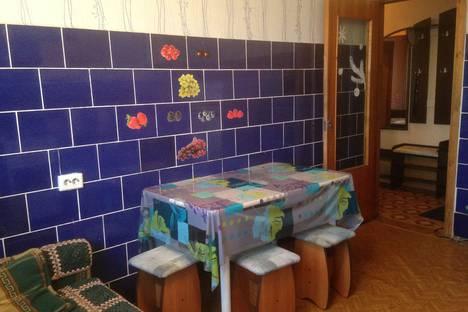 Сдается 3-комнатная квартира посуточно в Белокурихе, улица Братьев Ждановых, 3.