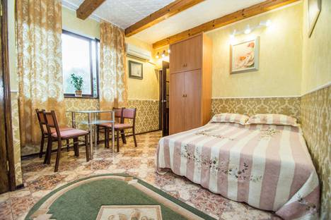 Сдается 2-комнатная квартира посуточно в Гурзуфе, улица Артековская, 2.