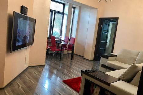 Сдается 3-комнатная квартира посуточно в Сочи, улица Воровского, 4.