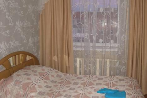 Сдается 2-комнатная квартира посуточно в Ухте, проспект Ленина, 37.