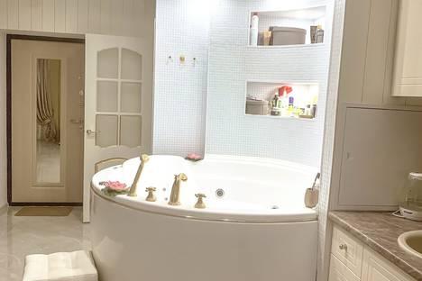 Сдается 1-комнатная квартира посуточно в Люберцах, улица Митрофанова, 22к2.