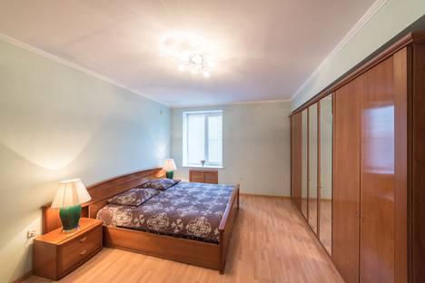 Сдается 2-комнатная квартира посуточно во Владивостоке, улица Верхнепортовая, 76А.