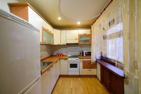 Сдается 2-комнатная квартира посуточно во Владивостоке, улица Светланская, 165А.