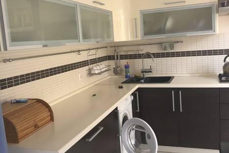Сдается 3-комнатная квартира посуточно во Владикавказе, проспект Коста 270.