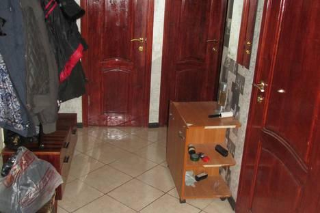Сдается 3-комнатная квартира посуточно в Саратове, проспект 50 Лет Октября, 12.