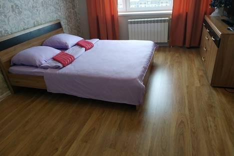 Сдается 1-комнатная квартира посуточно в Дмитрове, Школьная улица, 10.