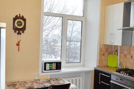 Сдается 2-комнатная квартира посуточно, улица Большая Московская улица, 9.