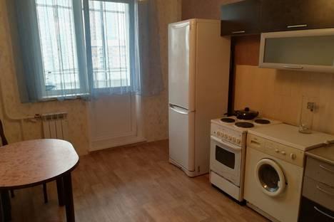 Сдается 2-комнатная квартира посуточно, улица 78-й Добровольческой Бригады, 40.