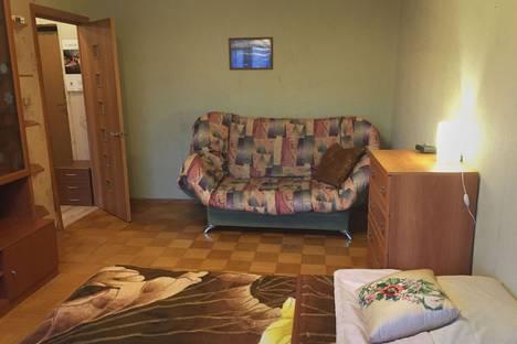 Сдается 1-комнатная квартира посуточно в Ивантеевке, улица Смурякова, 3.