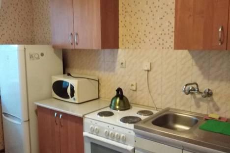 Сдается 1-комнатная квартира посуточно, улица Ворошилова, 113.