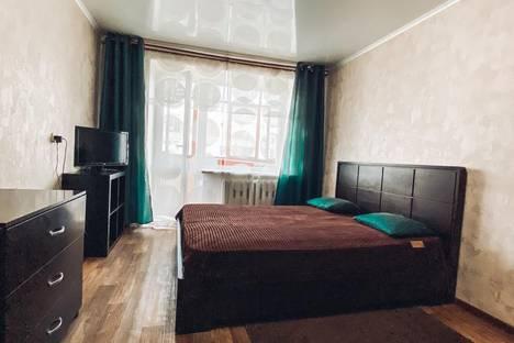 Сдается 1-комнатная квартира посуточно в Омске, Иртышская Набережная улица, 12.