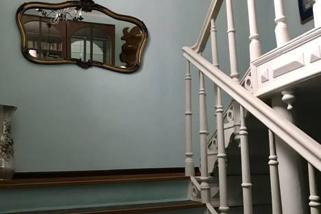 Сдается 3-комнатная квартира посуточно в Таганроге, улица Фрунзе, 50.