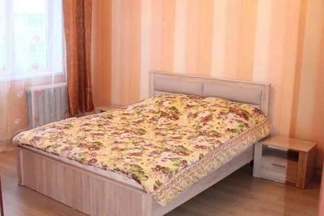 Сдается 1-комнатная квартира посуточно в Апатитах, улица Бредова, 15.