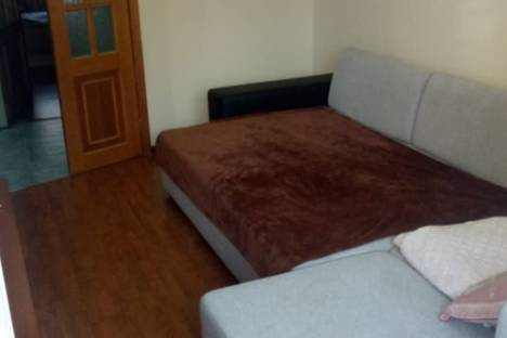 Сдается 2-комнатная квартира посуточно во Владивостоке, улица Башидзе, 14.