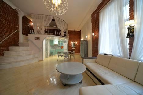 Сдается 3-комнатная квартира посуточно в Санкт-Петербурге, Колокольная улица, 16.