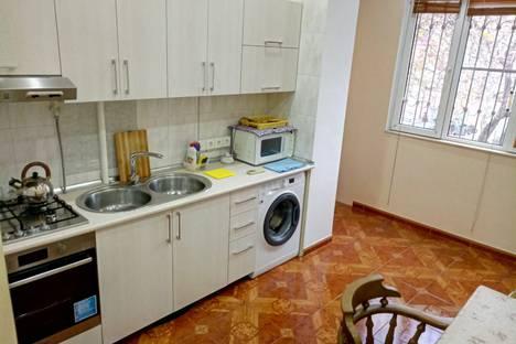 Сдается 2-комнатная квартира посуточно в Баку, улица 28 мая 20.