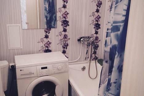 Сдается 1-комнатная квартира посуточно в Златоусте, улица Зеленая, 7.