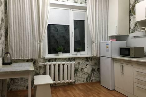 Сдается 1-комнатная квартира посуточно в Павлодаре, Набережная улица, 7.