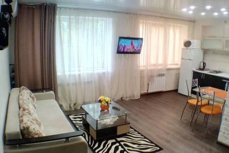 Сдается 1-комнатная квартира посуточно в Волгограде, ул.имени маршала Рокоссовского 44.