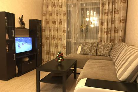 Сдается 1-комнатная квартира посуточно, улица Дзержинского, 31.